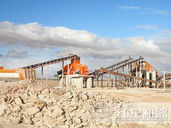 小型锤式制砂机生产现场